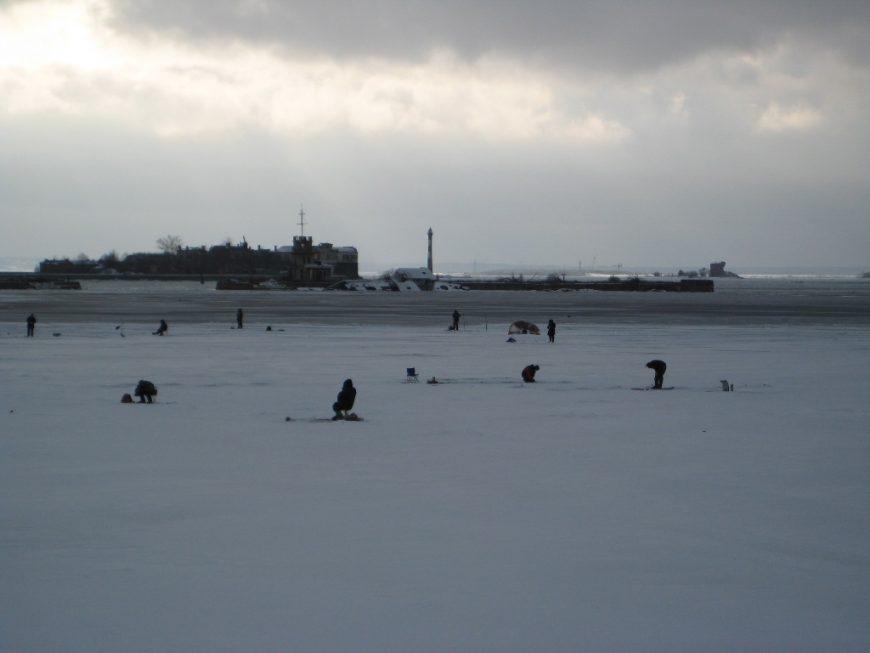 Зимняя рыбалка в Кронштадте