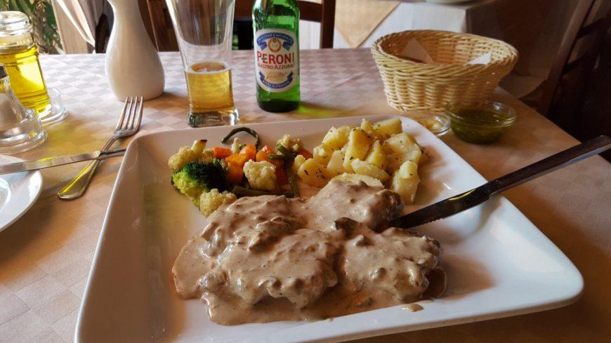 Кенийский ресторан